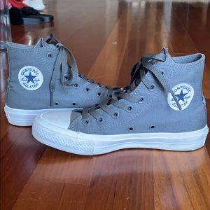Gray and white converse all star chucks